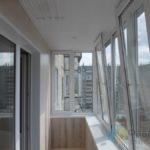 Красивая отделка на балконе