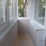 Отделка на балконе