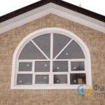 Арочные окна в загородный дом