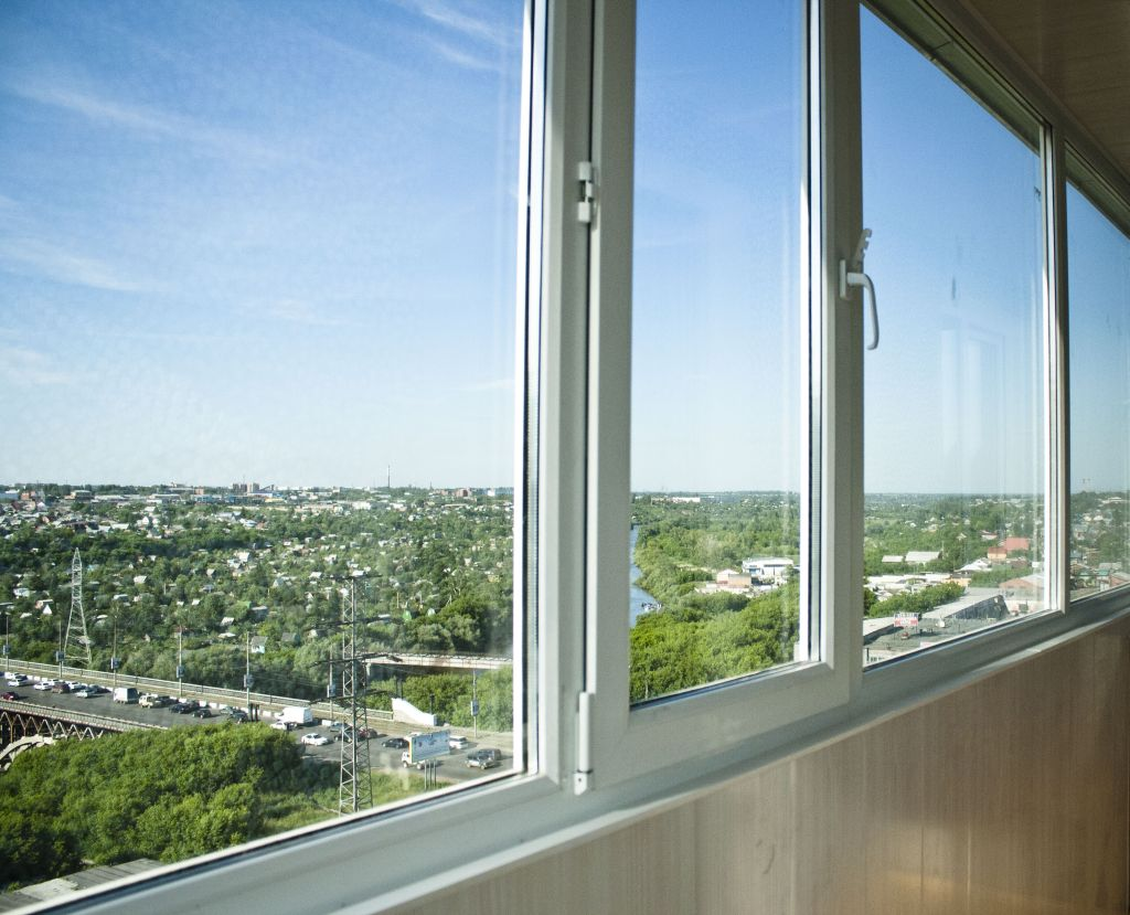osteklenie-lodgii-i-balkonov
