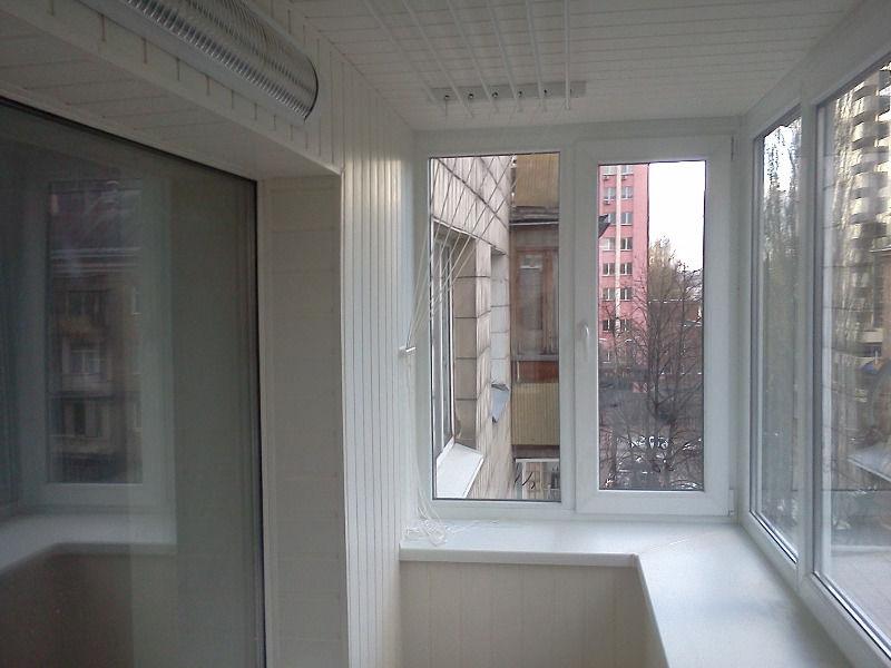 Застекление балкона в Челябинске